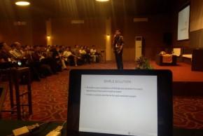https://dmd.binus.ac.id/wp-content/blogs.dir/1/files/2013/11/Deni-di-stage-WordCamp-ID-2013.jpg